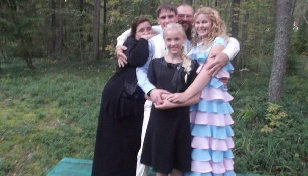 Заставка для - Семья священника Алексия Мокиевского попала в беду - нужен адвокат для дочери!