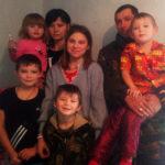 Заставка для - «Выскочили в чем были!»: семья с 5 детьми осталась без дома